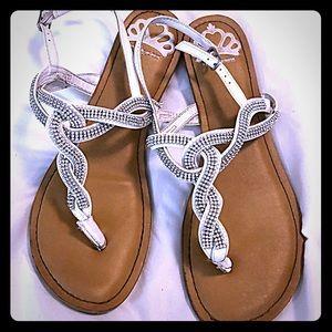 Women's Fergalicious Thong Sandal-Size 8